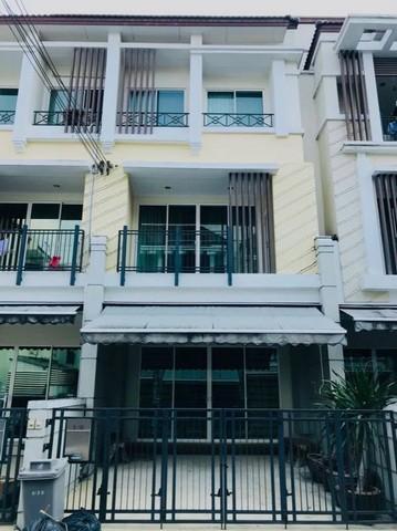 For RentTownhouseNawamin, Ramindra : RT446 3-storey townhome for rent, Baan Klang Muang, Lat Pla Khao 79, near Central Ramindra.