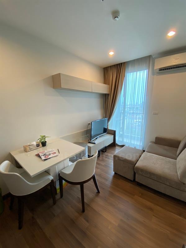 For SaleCondoBang Sue, Wong Sawang : Chewathai Interchange 1 br. Fully furnished, Ready to move in. High floor. Near MRT Taopoon Bangsu