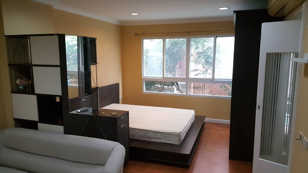 For RentCondoSukhumvit, Asoke, Thonglor : lumpini suite sukhumwit 41, next to bts Phrom Phong, price only 12,000, available for rent urgently!