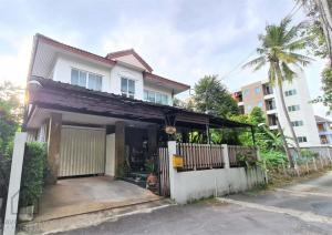 For SaleHouseYothinpattana,CDC : House for sale at a good price. Soi Yothin Phatthana 3 Good location near the Agricultural Exit - Nawamin Walk off the main road only 200 meters.