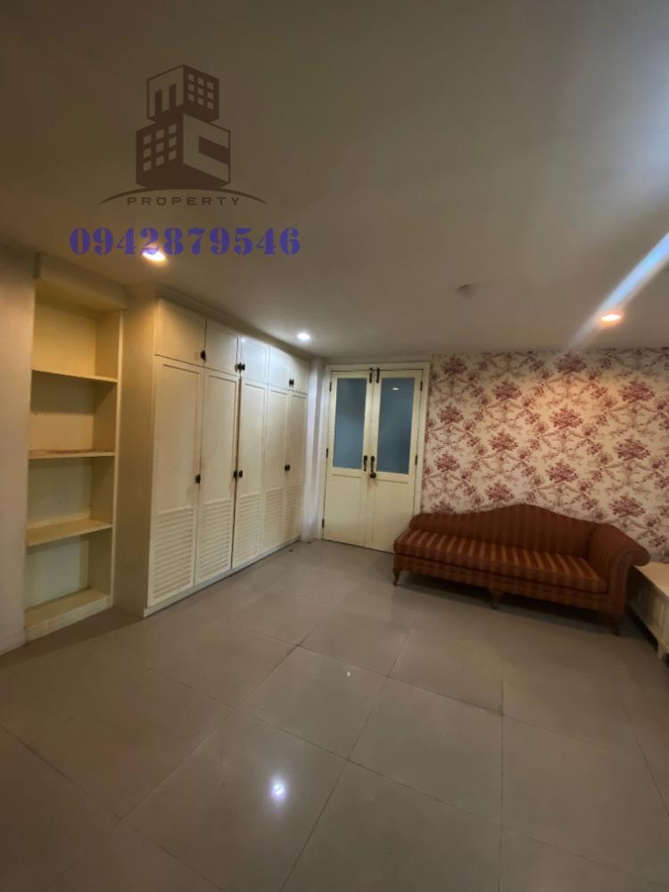 For SaleCondoRatchadapisek, Huaikwang, Suttisan : Nice room For SALE Condo Regent Home 5 ,close to MRT Ratchadapisek Shortcut road to Ladprao rd. and Vibhavadi rd.
