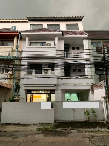 For SaleTownhouseRamkhamhaeng, Hua Mak : BS528 4-storey home office for sale, area 34.5 sq m., Town in Town area Convenient transportation, near along the express