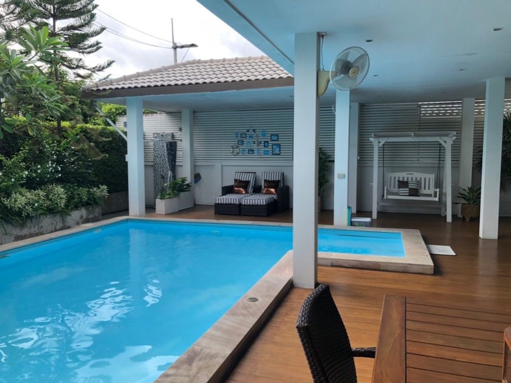 For SaleHouseRangsit, Patumtani : House for sale on the corner. With resort style swimming pool