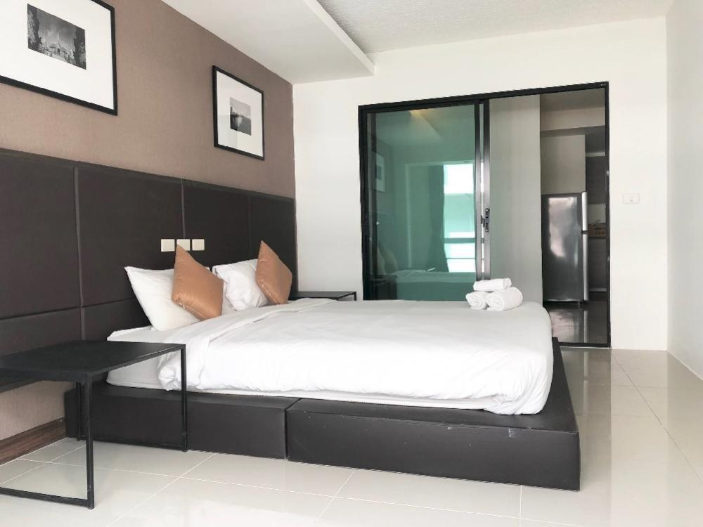 For RentCondoOnnut, Udomsuk : Condo ( Low rise ) with pet friendly not over 15 kgs. for rent :  2 Bedrooms 2 Bathrooms with bathtub for 60 sqm. on 7th floor.Fully furnished and electrical appliances. Just 750 m. to BTS Onnut with free shuttle bus service every half an hour.Best renta