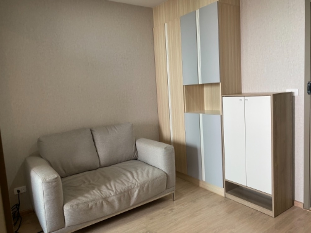 For SaleCondoBangna, Lasalle, Bearing : Condo for sale, Ideo O2 1 Bedroom Building B, closed kitchen, size 32.75 sqm, 32nd floor, Chao Phraya River view