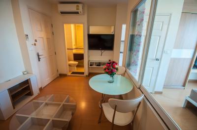 For RentCondoOnnut, Udomsuk : For Rent Life @ Sukhumvit 65, convenient transportation, close to 2 BTS stations, Ekamai and Phra Khanong, high-floor rooms, separate kitchen, complete furniture and appliances.