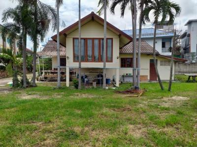 For SaleHouseLampang : Land for sale 295 square wa, Mueang Lampang Soi Rajabhat, Road 1037, near Mahaviyalai Rajabhat Lampang