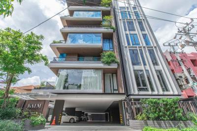 For RentCondoRama9, RCA, Petchaburi : Kalm Panthouse for rent 202 sqm 3 beds 3 baths 95,000 per month