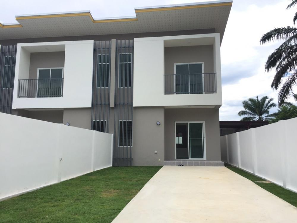 For SaleTownhousePhuket, Patong, Samui, Hat Yai, Phang nga : !!! Quick sale ... very good price !!! New townhouse Ready to move in Near Phuket Airport, interested contact 0894414445