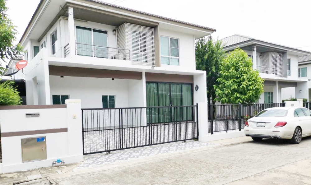 For RentHouseSamrong, Samut Prakan : House for rent Siwalee Bangna Km.14 Bang Phli, near IKEA Suvarnabhumi Airport 60 sq m.
