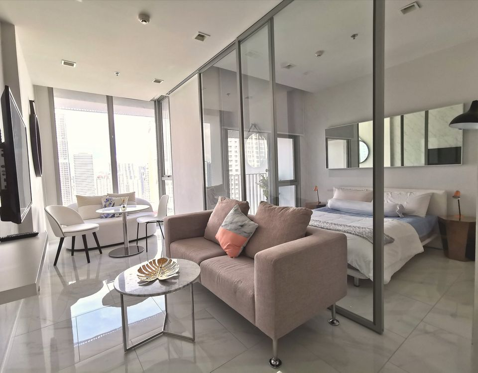 For RentCondoNana, North Nana,Sukhumvit13, Soi Nana : For rent, Hyde Sukhumvit 11, luxury room, fully furnished, ready to move in, 1 bedroom, 1 bath, 34 square meters, make an appointment, call 095-547-7160, postter
