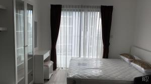 For RentCondoWongwianyai, Charoennakor : Ideo mobi sathorn for rent Good View 11,000/month