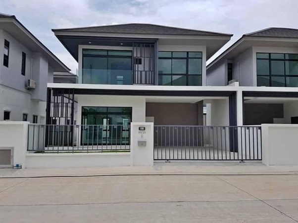 For RentHouseRamkhamhaeng Nida, Seri Thai : 2 storey detached house for rent, Aura Lux Ramkhamhaeng 94, beautiful house, new condition, good location, 4 air conditioners, complete furniture and electrical appliances. Only inhabited Pets are not allowed.