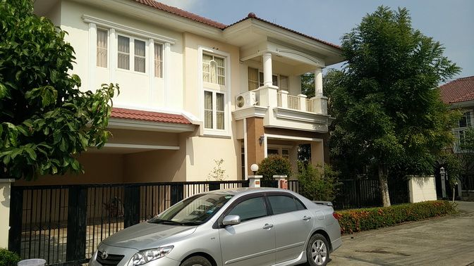 For RentHouseOnnut, Udomsuk : Beautiful single house for rent, corner of 80 wah, 3 bedrooms, 3 bathrooms, fully furnished, ready to move in, Pattanakarn Road, near the expressway, near Rama 9