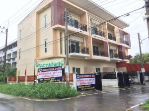 For SaleTownhouseCentral Provinces : Bang Pa-in Green Village Townhouse new projects are ready. Borrow the remaining money up to 2-5 times
