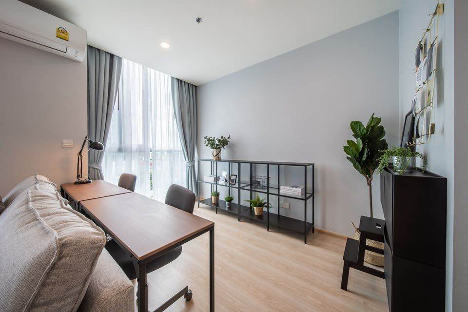 For RentCondoRatchadapisek, Huaikwang, Suttisan : Condo for rent, Noble Revolve Ratchada 2, Revolve Ratchada 2, corner room, garden view, size 38 sq.