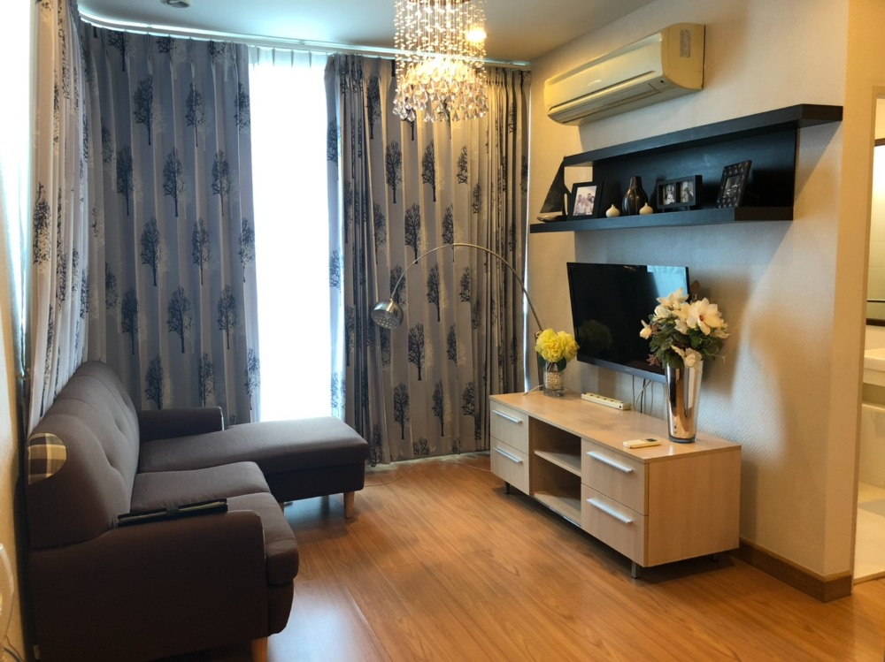 For RentCondoSathorn, Narathiwat : The Complete Narathiwas> For Rent <2 Bedroom> Fully Furnished, very beautiful room. Ask or make an appointment to see