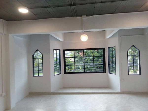 For RentHome OfficeSukhumvit, Asoke, Thonglor : For rent, 3 storey home office, whole new Renovate, good location in Sukhumvit Soi 2, near Ploenchit and Nana BTS station In the heart of the business district