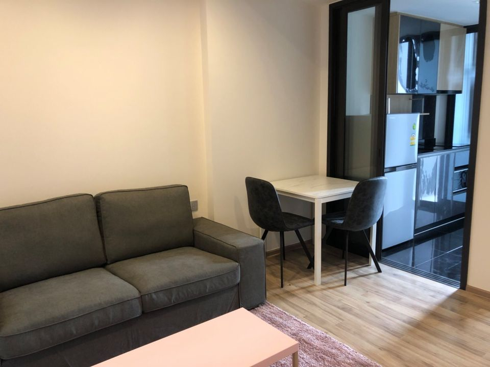 For RentCondoSapankwai,Jatujak : Condo for rent, The Line Chatuchak, 1 bedroom, 34 sqm., 17th floor, beautiful decoration, well furnished, near BTS Mo Chit