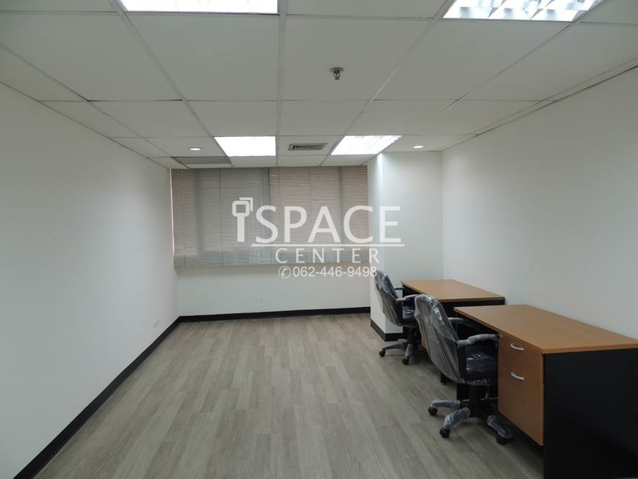 For RentOfficeSathorn, Narathiwat : Service Office for rent, near Saladaeng BTS and Sam Yan MRT, about 20 baht for a motorcycle Get into work immediately +