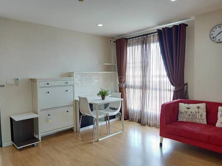 For RentCondoThaphra, Wutthakat : For rent, Casa Ratchada Thapra, condo close to BTS only 10 meters, safe to travel, get down to the station, meet the condo immediately.