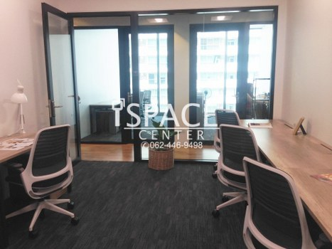 For RentOfficeSathorn, Narathiwat : Service Office for rent, near BTS Surasak, Grade A ++ office, beautiful room with carrying notebook Go to work immediately ++