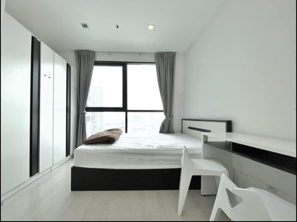 For RentCondoWongwianyai, Charoennakor : For rent, Ideo Mobi Sathorn, fully furnished, ready to move in.