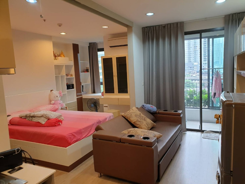 For SaleCondoRatchathewi,Phayathai : Garden and City View!! 1 BR 33.75 Sq.m unit for SALE at Ideo Q Ratchatewi! Near BTS Ratchatewi!!!