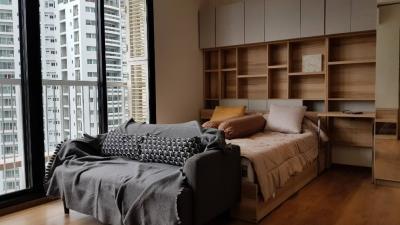 For RentCondoSukhumvit, Asoke, Thonglor : For rent Park24 Sukhumvit 24 BTS prompong  ขนาด 1 ห้องนอน1ห้องน้ำ 33 ตร.ม. เช่า22,000/เดือน สนใจ ติดต่อดีดี้ 0868159779 Iine : dee1857