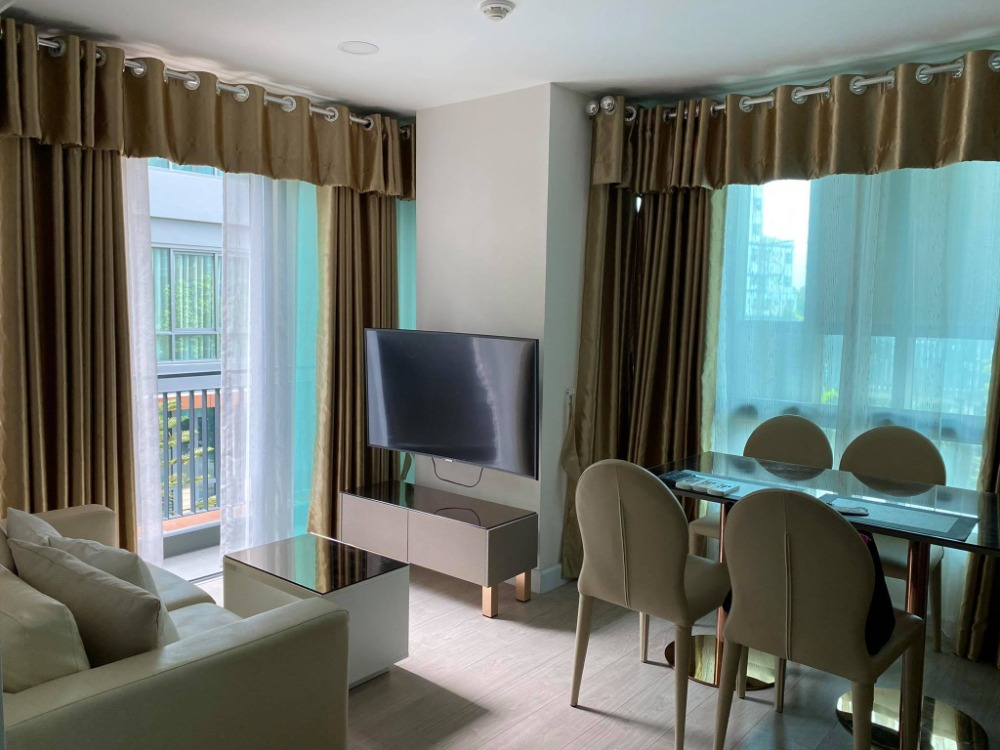 For RentCondoRatchadapisek, Huaikwang, Suttisan : Metro Luxe Rose Gold Phahol-Sutthisan Condo (Low Rise) for rent: 2 bedrooms 2 bathrooms for 53.26 sqm. on 3rd floor B building.With fully furnished and electrical appliances.Just 550 m. to Taksin University.Rental onl