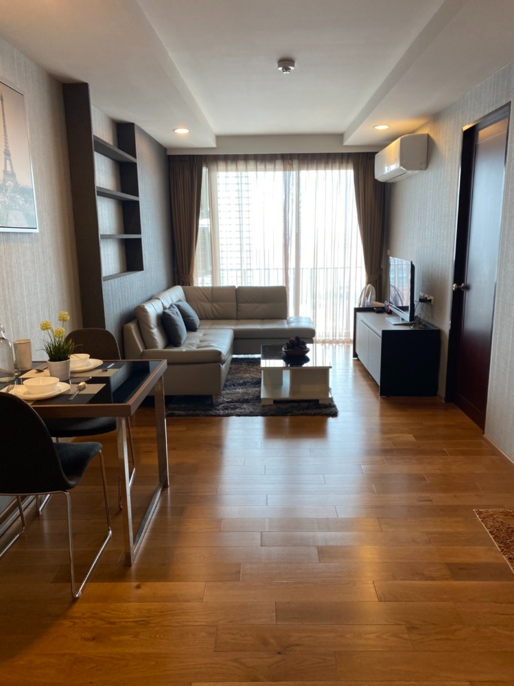 For SaleCondoLadprao, Central Ladprao : Condo for sale Abstracts Phahonyothin Park, Abstracts Phahonyothin Park, near BTS Ha Yaek Lad Phrao station, only 150 meters, connected to Phahon Yothin MRT station, next to Lotus Ladprao.