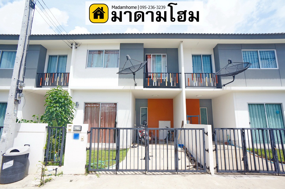 For SaleTownhouseCentral Provinces : Ayutthaya second-hand houses Pruksa Village 99 Baan Ayutthaya near Rojana Pruksa Nara Ayutthaya House 2 Ayutthaya Madam Home Ayutthaya