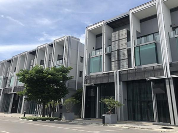 For RentHome OfficeBangna, Lasalle, Bearing : 4-storey home office for rent Project: Cascade Bangna, Cascade Bangna, good location, next to Bangna-Trad Road Km 5, near Bangna-Chonburi expressway, Kanchanaphisek main road.