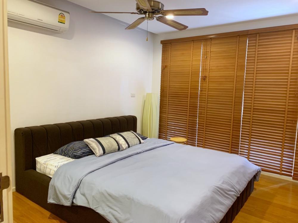 ขายคอนโดนานา : ขาย/ให้เช่า 1 ห้องนอน 15 Sukhumvit Residences ชั้น 10 พื้นที่ 45 ตร.ม. เฟอร์ตกแต่งครบ พร้อมชุดครัว