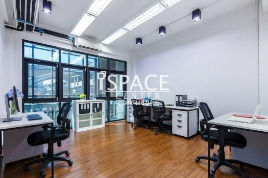 For RentOfficeWongwianyai, Charoennakor : Service Office for rent, near BTS Wongwian Yai, beautiful room, ready to carry