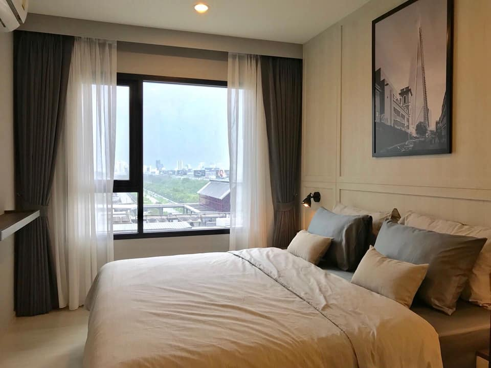 For RentCondoRama9, RCA, Petchaburi : (Rent) Life Asoke, 10th floor room, size 36 sq.m., balcony, pool view, fully furnished with walk-in closet.