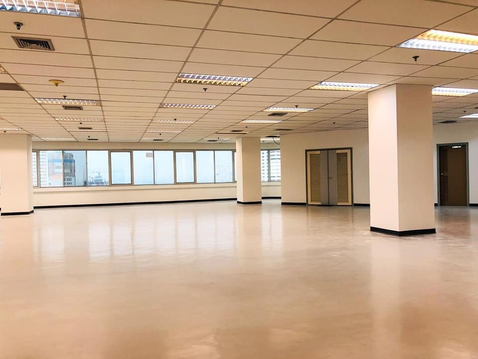 For RentOfficeRama3 (Riverside),Satupadit : Office for rent Rama 3 (Chao Phraya River view) rent only 250 / SQM. Cheaper than the market can be divided into many sizes.