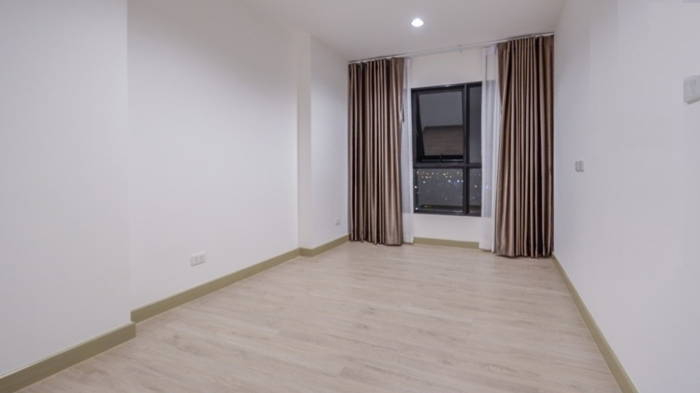 For SaleCondoPinklao, Charansanitwong : Willing to sell at a loss !!! Condo for sale, Thana Astoria, 17th floor, beautiful view, 29.33 sqm, first-hand condition, next to Bang Yi Khan MRT.