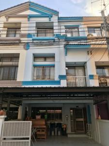 For RentTownhouseRatchadapisek, Huaikwang, Suttisan : (Agent Post) 🏡 3-storey townhome in the heart of the city (home in the city Ratchada-Mengjai) 3 levels Good condition, fully furnished, + electrical appliances 21,000