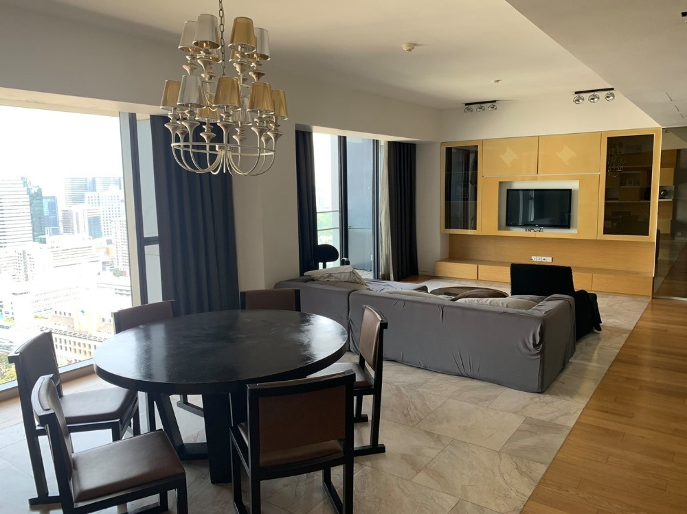 For SaleCondoSathorn, Narathiwat : Condo for sale The Met, large room, super luxury, fully furnished, 3 bedrooms, 4 bathrooms