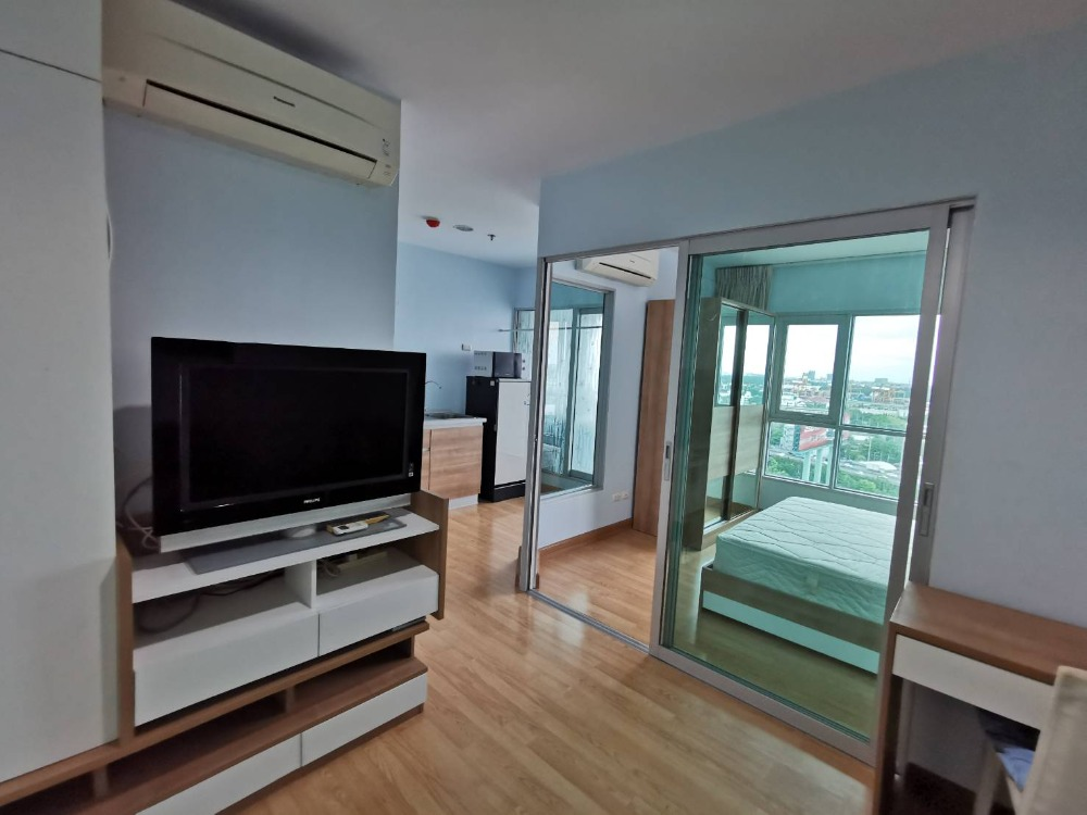 For RentCondoKhlongtoei, Kluaynamthai : For rent: Aspire Rama 4. FUlly Furnished, Modern style, there are many rooms. Price talk.