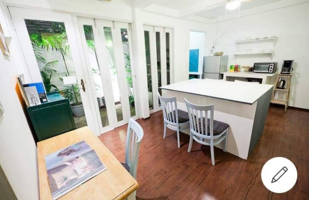 For RentHouseSathorn, Narathiwat : For Rent Beautiful house in Great Location at Sathorn/ 1 min walk to Surasak BTS