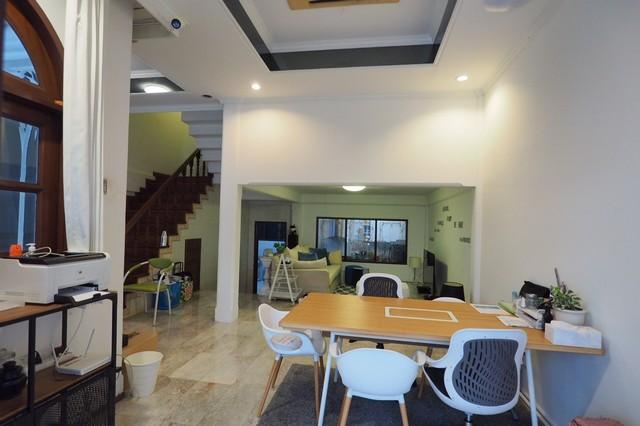 For RentTownhouseNana, North Nana,Sukhumvit13, Soi Nana : 4-storey townhome for rent, Soi Ekkamai 26, ready to move in, near BTS Ekkamai, Bangkok Hospital