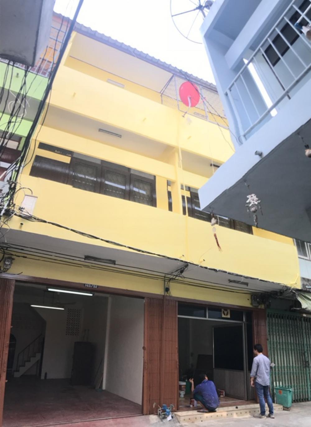 For SaleShophouseWongwianyai, Charoennakor : ขายตึกแถว ทำเล ซ.หิรัญรูจี ติดราชภัฏบ้านสมเด็จ 2 คูหา ไม่ตีทะลุ เข้าออกได้ 2 ทาง วงเวียนใหญ่-สี่แยกบ้านแขก