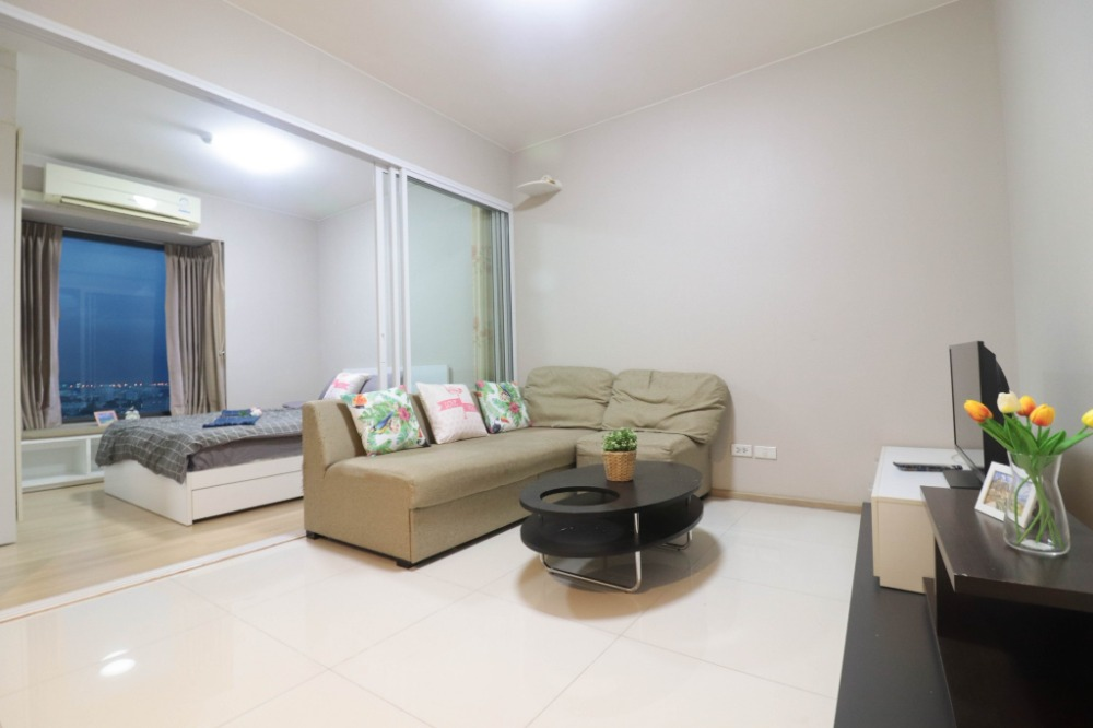 "For SaleCondoRamkhamhaeng, Hua Mak : ""Condo near the Airport Link Monthly installments are not expensive. ""Condo for sale Fuse Mobius Ramkhamhaeng (Fuse Mobius Ramkhamhaeng) room size 30 sq m, 1 bedroom, 1 bathroom, 24th floor with furniture. The most special price !!!"