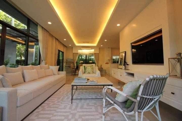 For RentHousePattanakan, Srinakarin : Rental: Luxury Compond Home In Pattanakarn