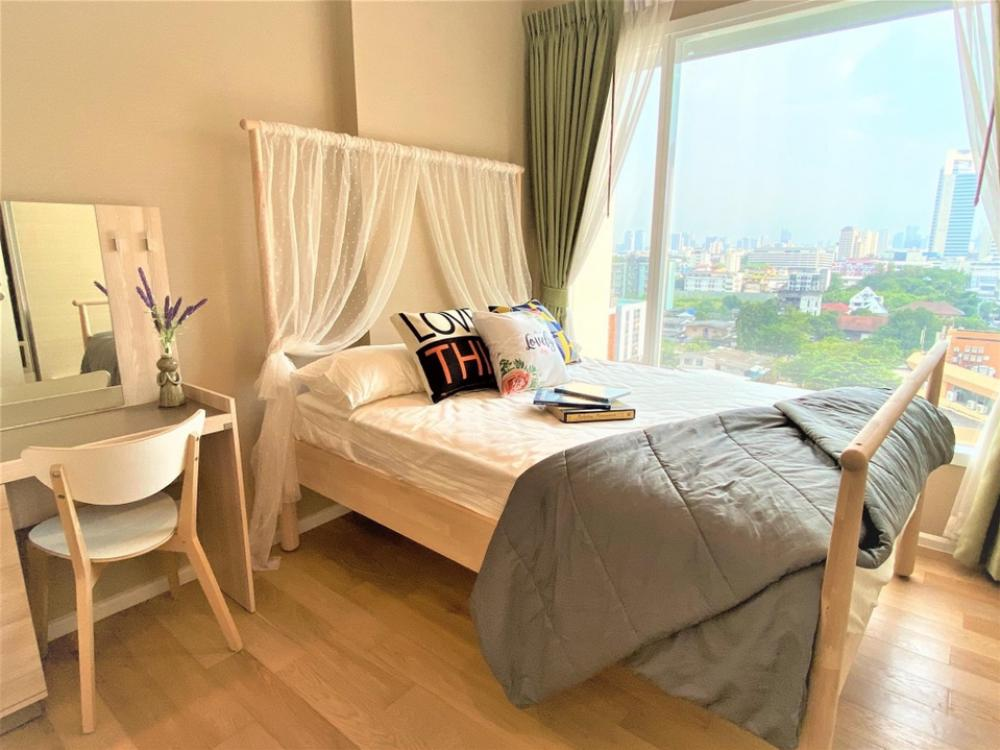 For RentCondoLadprao, Central Ladprao : @condorental for rent The Saint Residences, beautiful room, new room. Ready to move in !!