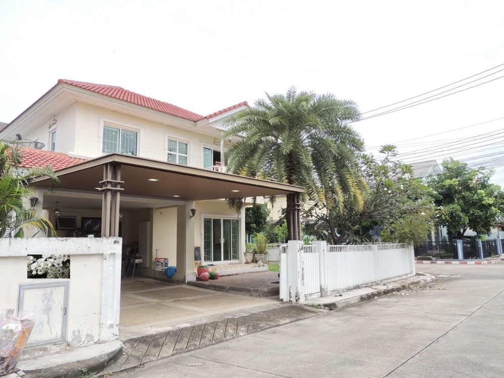 For SaleHouseLadkrabang, Suwannaphum Airport : 2 storey detached house for sale, Perfect Place, Sukhumvit 77, Ladkrabang Road, 68.7 sq.w., Phase 3, beautiful corner, lots of space