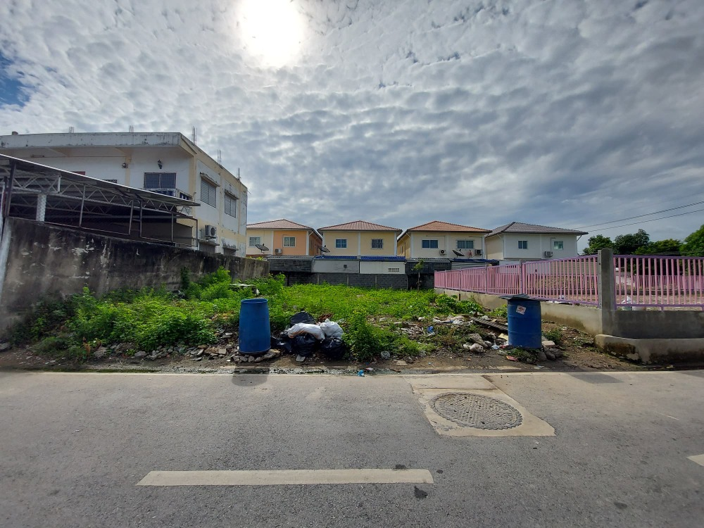 For SaleLandSamrong, Samut Prakan : Land for sale, size 74 sq m, located in Soi Ratchasupanimit 8/13, selling price 2,590,000 baht, transfer expense, owner to pay