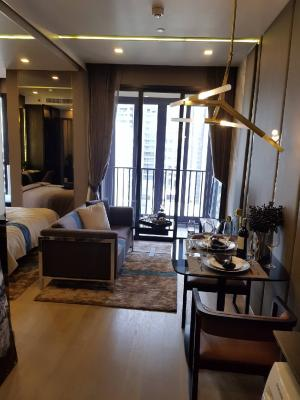 For SaleCondoSukhumvit, Asoke, Thonglor : Selling at a loss in front of the contract 1 million Ashton Asoke. Project room, hand 1. Bedroom 34 sq m, fully furnished, price today 6.99 mb, there are 2 last rooms to buy, must be hurry to buy next to MRT Sukhumvit and bts Asoke. Jersey 0626562896-line